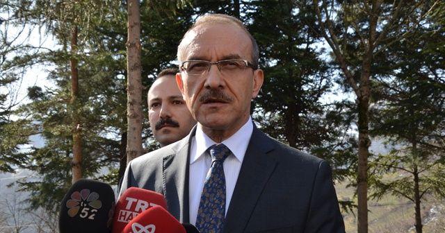 """Vali Yavuz: """"Heyelandan 17 bina ve 27 vatandaş etkilendi"""""""