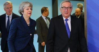 AB ile İngiltere Brexit kördüğümünü çözmeye çalışacak