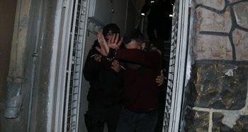 Adana'da bir kadını sevgilisi tabanca ile vurdu