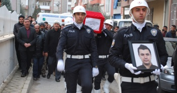 Aort damarı yırtılan polis, Manisa'da son yolculuğuna uğurlandı
