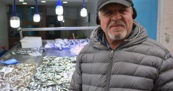 Balıklar azalıyor, esnaf satış yapamıyor