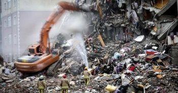 İstanbul Kartal'da riskli binaların yıkımı sürüyor