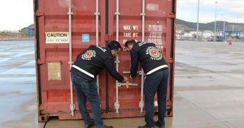 İzmir'de 500 bin paket kaçak sigara ele geçirildi