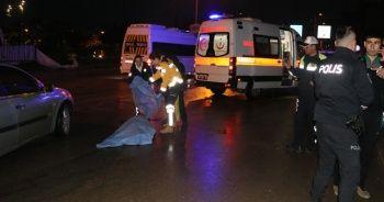 Kamyonetin altında 200 metre sürüklenen kadın öldü