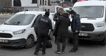 Kızılay'da şüpheli paket polisi alarma geçirdi
