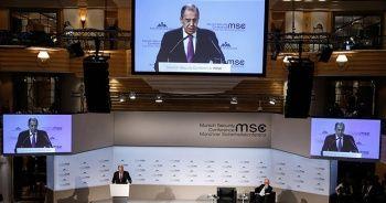 Lavrov'dan Washington Post muhabirine tepki: Ne istersen yaz!