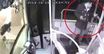 Otobüsünde genç kızı taciz ettiği iddia edilen şahsı döverek karakola teslim etti