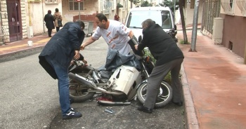 Otomobil motosiklete, motosiklet de yayaya çarptı: 2 yaralı