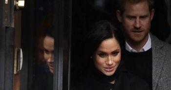 Prens Harry hamile eşini yalnız bırakmadı... Bindiği uçak İngiltere'de olay oldu!