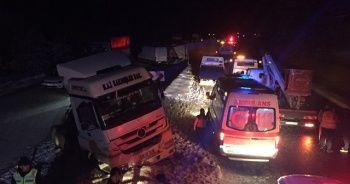 Zincirleme trafik kazasında 13 araç birbirine girdi!