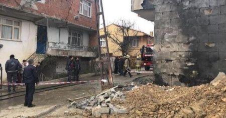 Arnavutköy'de kazı yapılırken doğal gaz borusu patladı