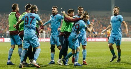 Ege'de Karadeniz fırtınası: Göztepe 1-3 Trabzonspor