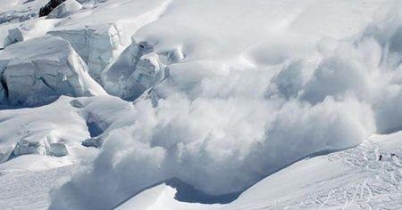 İsviçre'de çığ faciası! Çok sayıda kişi kar altında kaldı