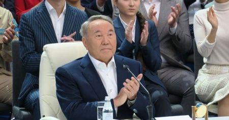 Kazakistan'da Başkan Nazarbayev hükümeti feshetti