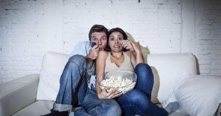 Korku filmi izlemek kilo aldırıyormuş!