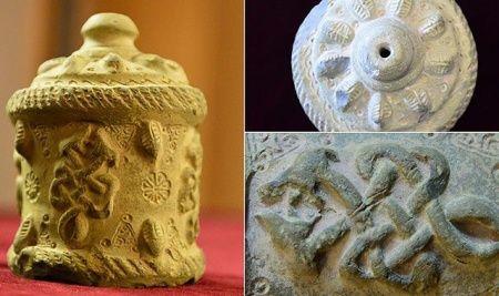 Şanlıurfa'da 900 yıllık ilaç şişesi bulundu