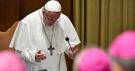Vatikan'da 'taciz' zirvesi: Papa 190 piskoposu çağırdı, tek tek uyardı
