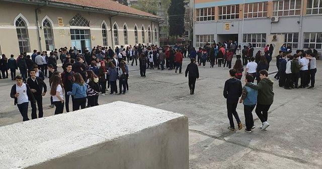Denizli Acıpayam'da depremin ardından okullar 2 gün tatil edildi