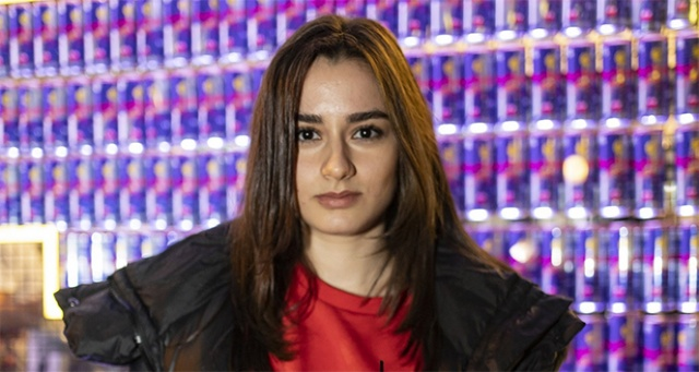 Ece Yaşar ve İlayda Akdoğan Red Bull Retro Oyun Gecesi'ndeydi