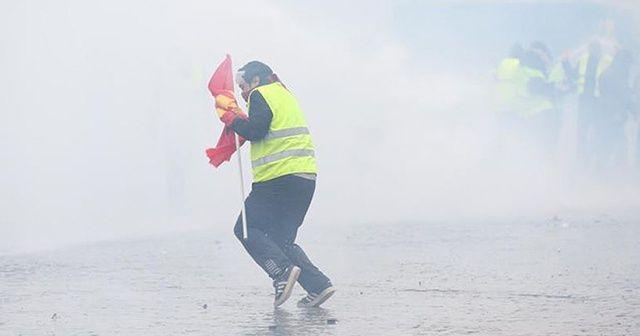 Fransa'da sarı yeleklilerin gösterisinde polis şiddetine soruşturma