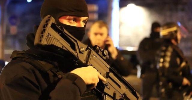 """Fransız İçişleri Bakanından """"ibadethanelerde güvenlikleri artırın"""" talimatı"""