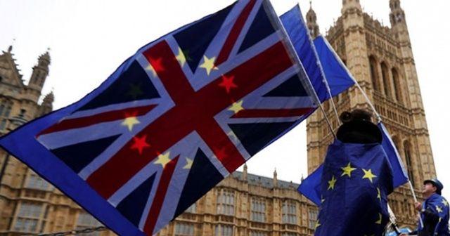 """İngiliz parlamentosu AB'den anlaşmasız ayrılığa """"hayır"""" dedi"""