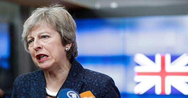 """İngiltere Başbakanı May: """"Müslümanları hedef alan bu saldırı alçakçadır"""""""