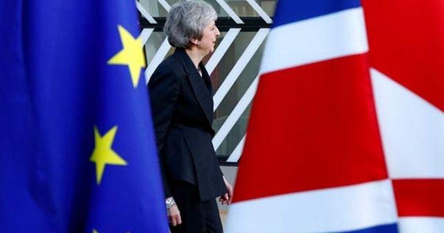 İngiltere'de 'Brexit' çılgınlığı! İnternet sitesi çöktü