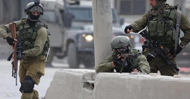 İsrail askerleri Gazze'de 2 Filistinliyi yaraladı