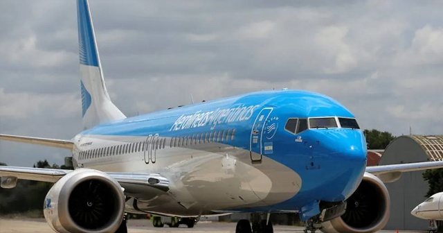 """Kazakistan'da """"Boeing 737 Max 8"""" tipi uçağın uçuşları durduruldu"""
