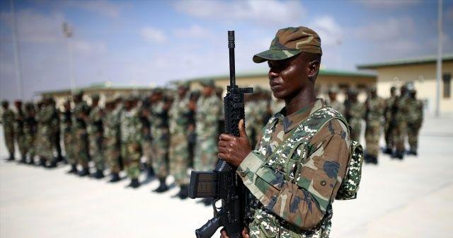 Maaşlarını alamayan Somalili askerler üsleri terk etti