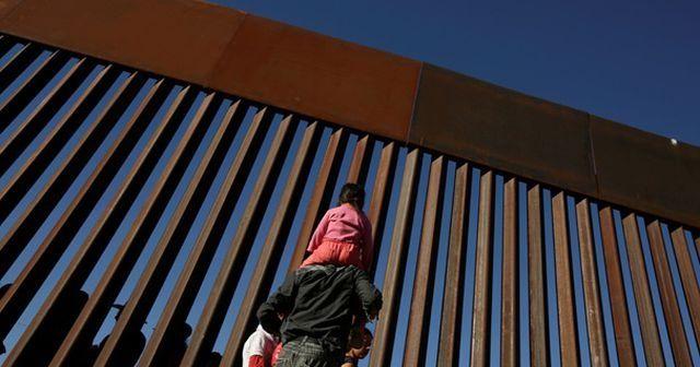 Trump, Meksika sınırını kapatma tehdidini yineledi