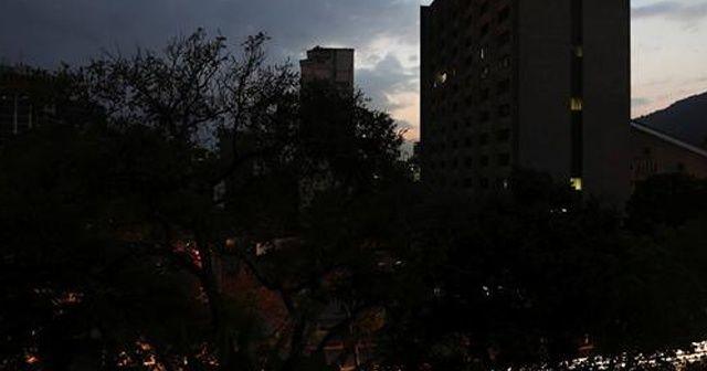 Venezuela elektriğe kavuştu