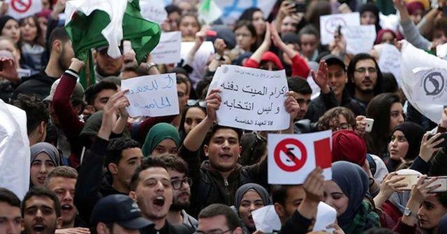 Washington Post: Yolda yeni bir Arap Baharı var mı?