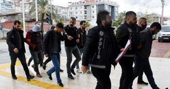 Antalya'da 82 kilo 250 gram esrar ele geçirildi