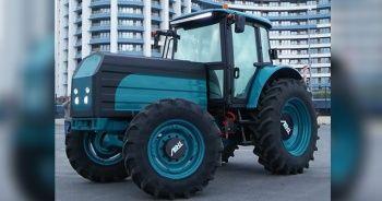 Bakan Pakdemirli, yerli ve milli elektrikli traktörü tanıttı