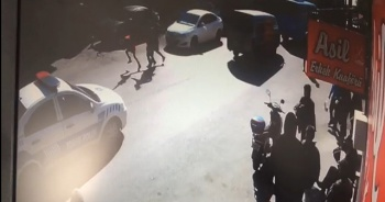 Ehliyetsiz sürücü, yaya geçidinde öğrencilere çarptı