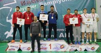 İhlas Koleji öğrencisi badmintonda Türkiye üçüncüsü oldu