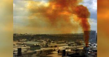 Kuyumcukent'ten yükselen sarı duman sosyal medyada 'çevre kirliliği' tepkisine neden oldu