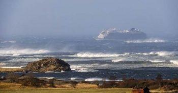 Norveç'te yolcu gemisi yardım çağrısında bulundu