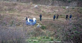 Pendik'te boş arazide erkek cesedi bulundu