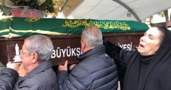 Tuğba Özerk'in acı günü... Babası hayatını kaybetti