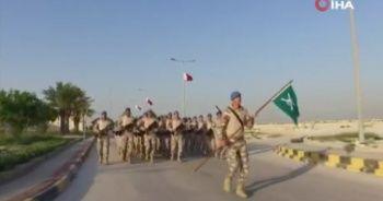 Türk askeri Katar'da görevine devam ediyor