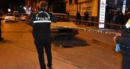 Hendek'te İlçe Emniyet Müdürlüğünün önünde silahlı kavga: 1 yaralı