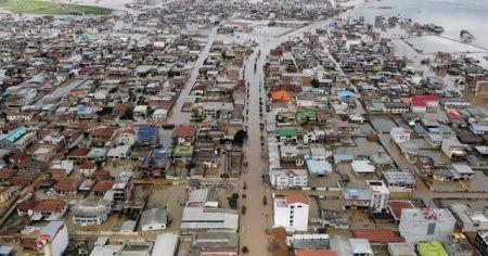 İran'daki sel felaketinin ardından vali görevden alındı