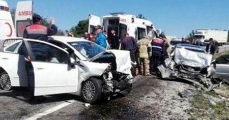 İzmir'de trafik kazası: 2 ölü, 5 yaralı