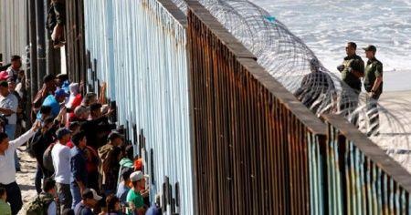Pentagon'dan Meksika duvarına 1 milyar dolarlık fon