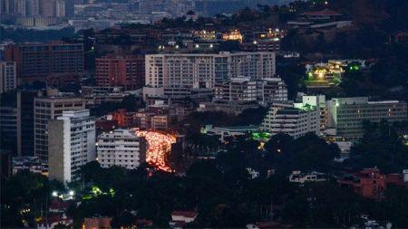 Venezuela'nın bazı bölgelerinde yeniden elektrikler kesildi