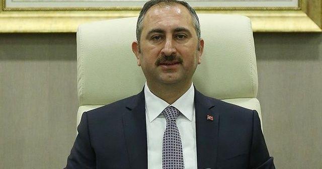 Adalet Bakanı Abdulhamit Gül'den 'YSK iddialarına' yanıt
