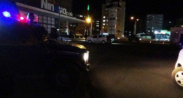 Diyarbakır'da düğün çıkışı silahlı satırlı kavga: 3 ağır yaralı